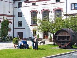 ,Cerveza checa,Cata y degustación de cerveza checa,Tour de la cerveza,Con visita a fábrica de cerveza