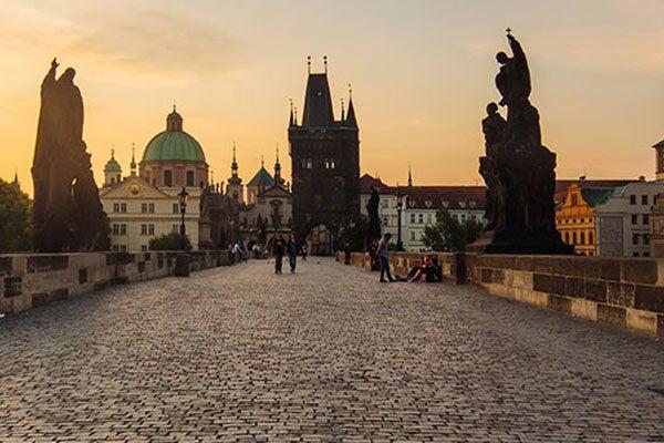 Puente De Carlos El Monumento Mas Famoso De Praga