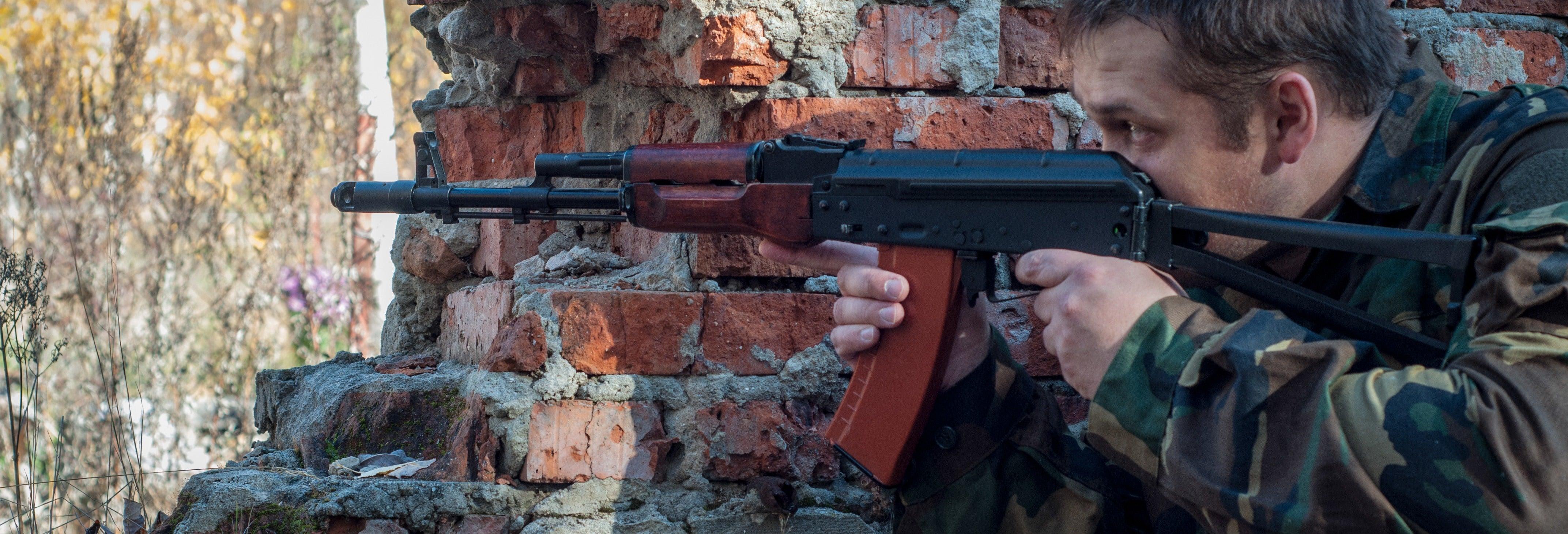 Prácticas de tiro con Kalashnikov