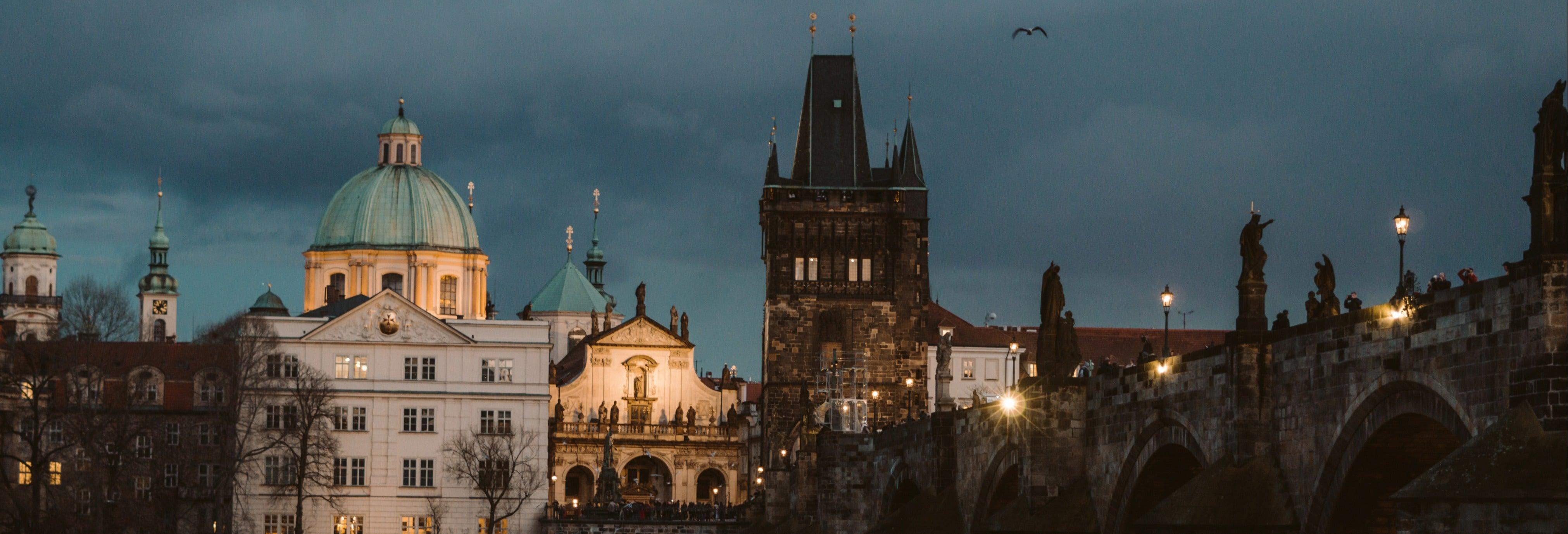 Tour subterrâneo dos fantasmas de Praga