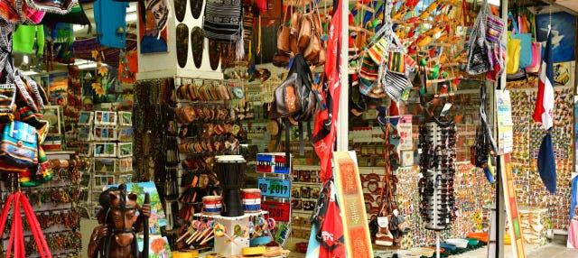 Tour de compras, Museo Ámbar y Fábrica de Tabaco