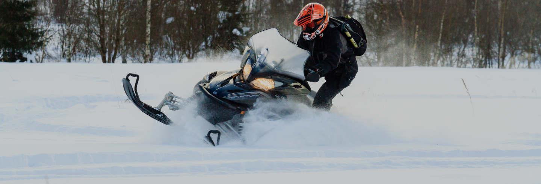 Aventura en moto de nieve