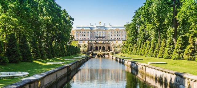 Excursión a los jardines de Peterhof en barco rápido