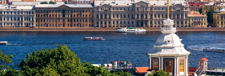Giro in barca sui fiumi e i canali di San Pietroburgo