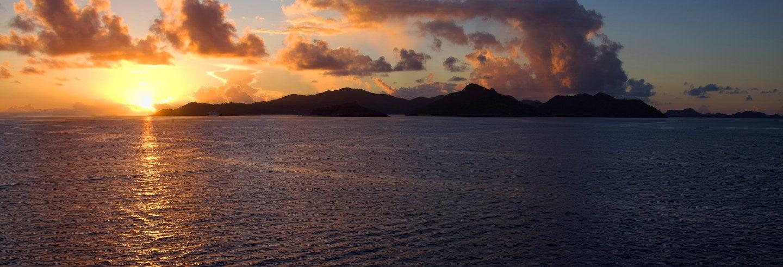 Balade en bateau au coucher de soleil