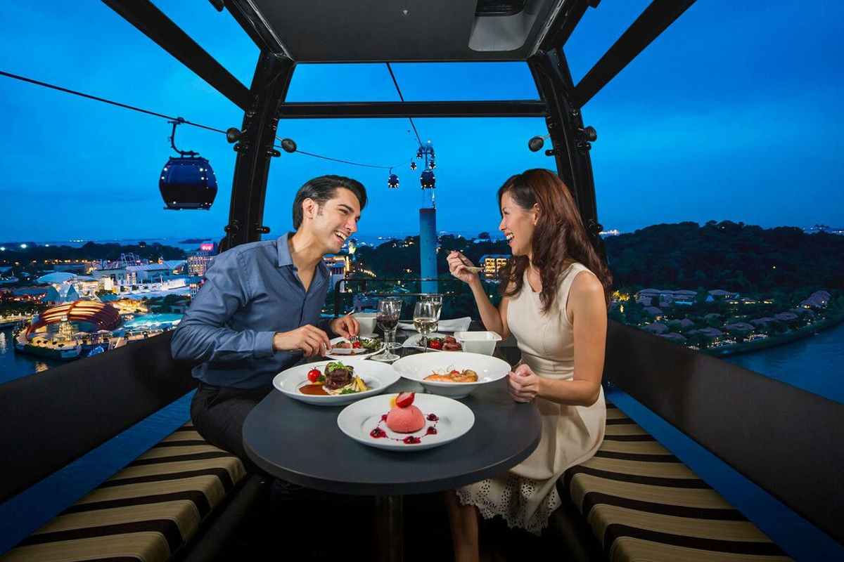 private singapore flyer sky dining capsule - HD 1200×800