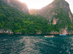 ,Excursion to Phi Phi Island