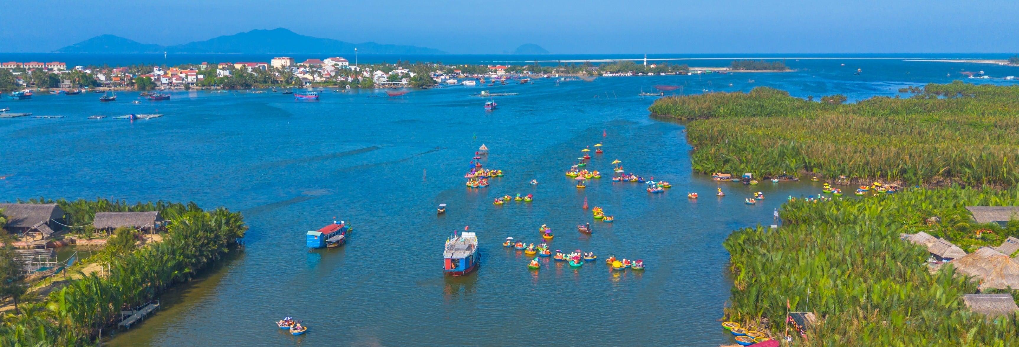 Excursion dans la forêt de cocotiers de Bay Mau