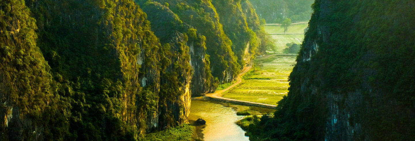 Hoa Lu and Tam Coc Full-Day Tour