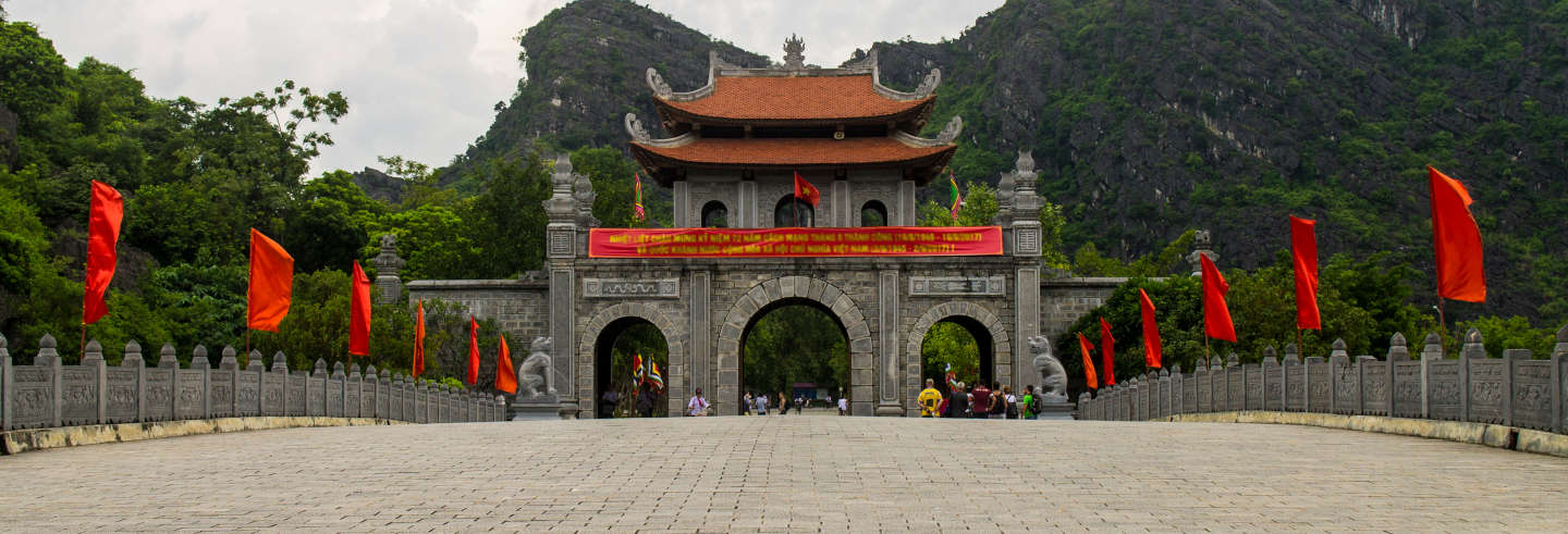 Excursión a Hoa Lu, Mua Cave y Reserva Natural de Van Long